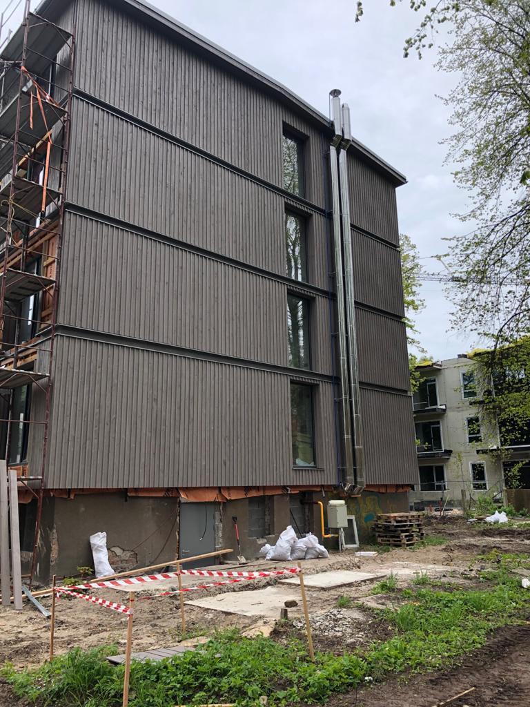 Daudzdzīvokļu ēkas fasādes rekonstrukcija - Kalsnavas iela 2, Jūrmala